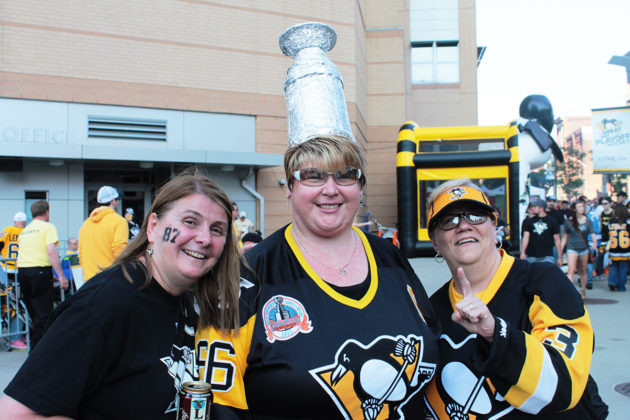 three penguins fans