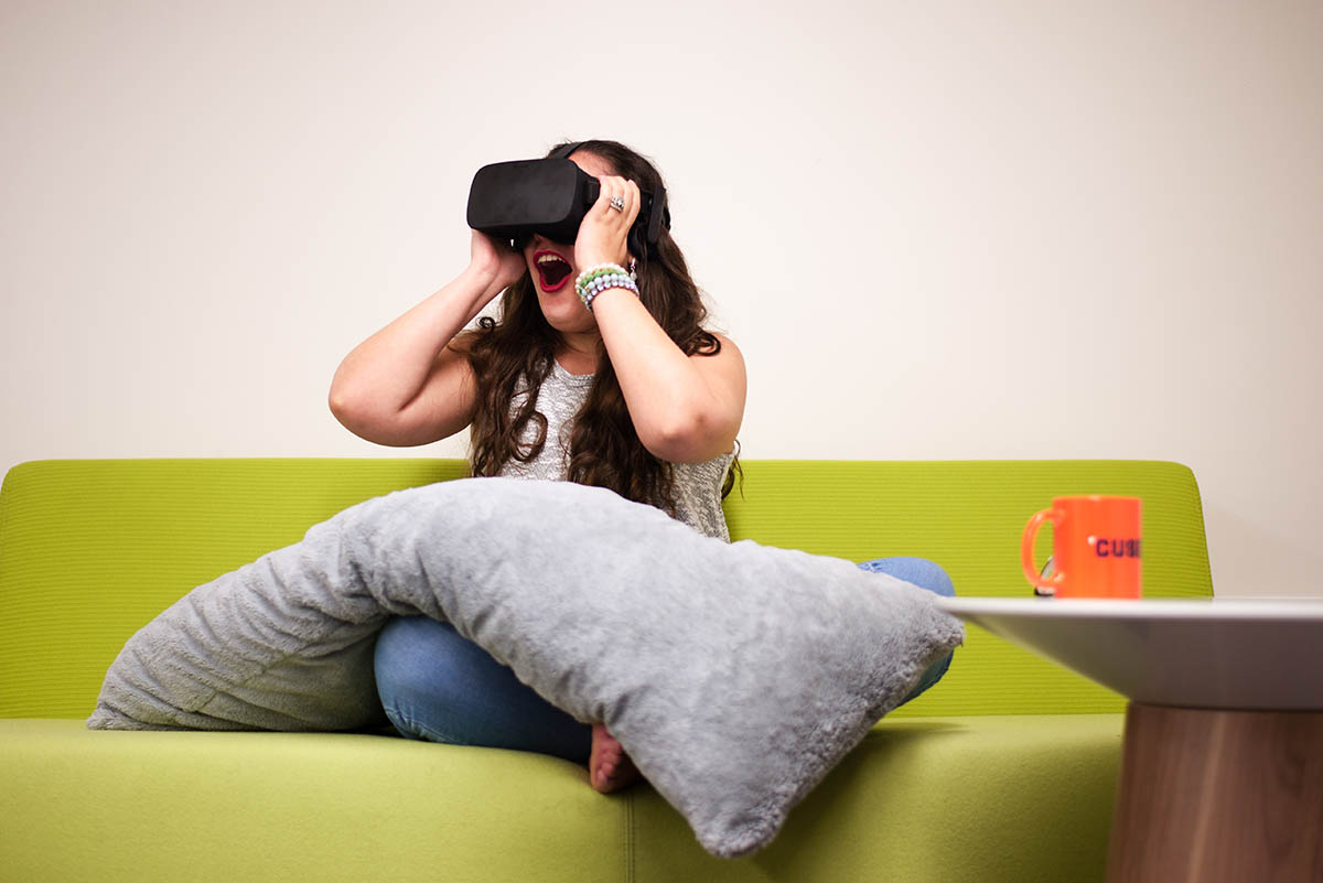 a fan using a VR headset
